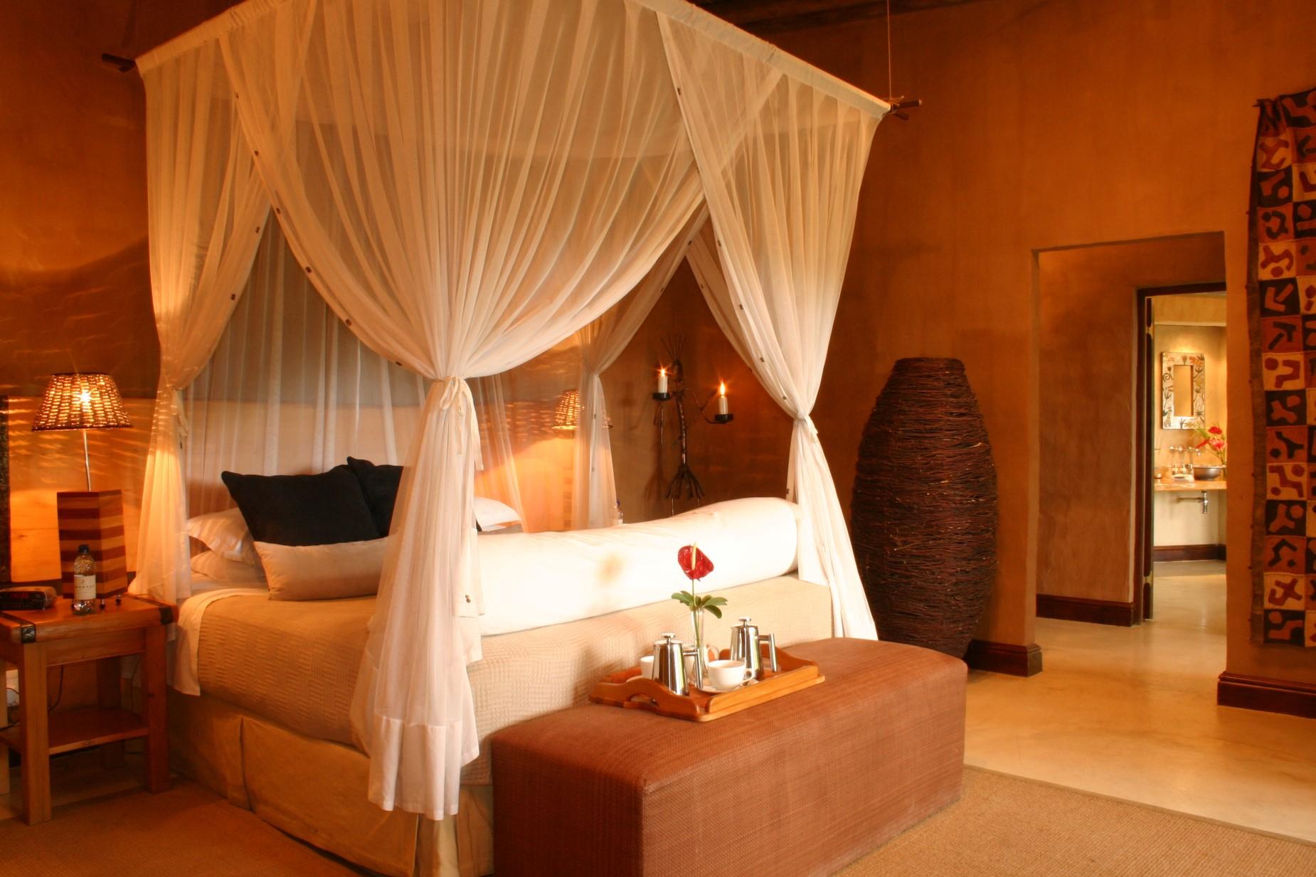 Interior Room 8