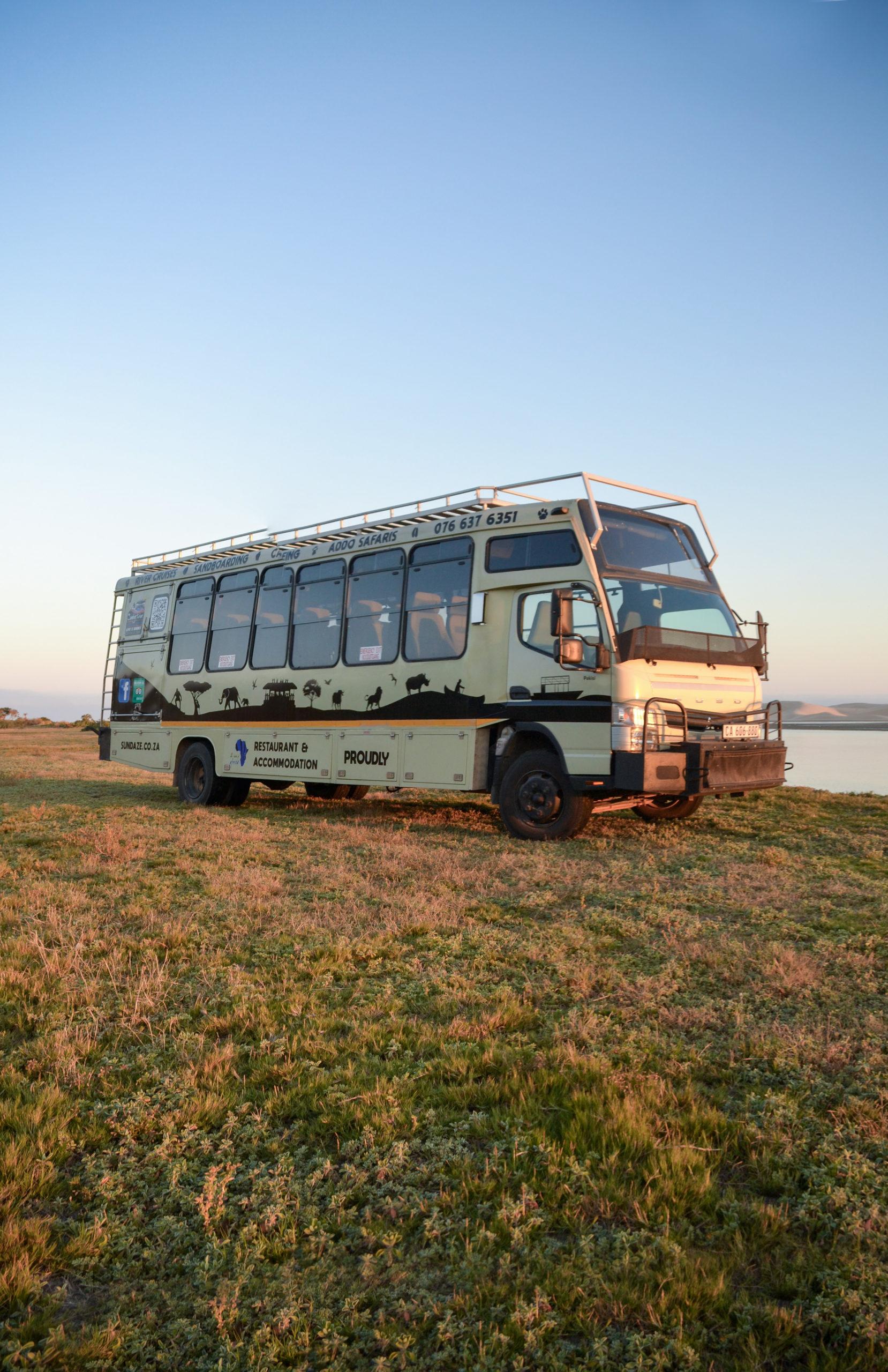Safari Bus Pakisi
