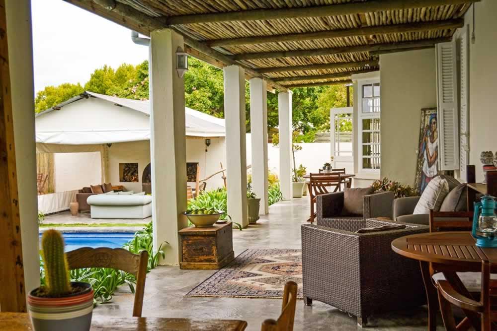 broadlands-country-house-verandah-7495a955fb1a3b8f8ad341f3615d3a7c